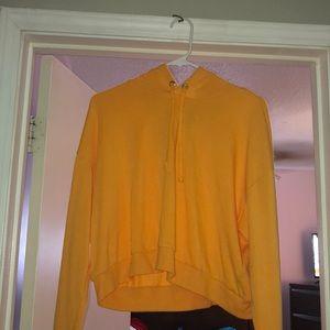 Cropped light hoodie shirt
